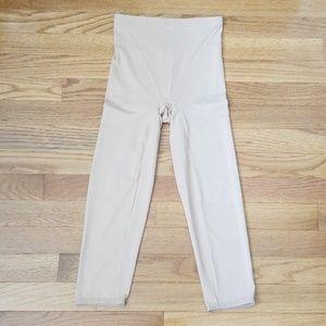 Flexees Size M Capri Shapewear